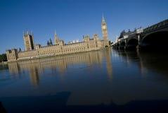 Huis van het Parlement en Theems Royalty-vrije Stock Afbeelding