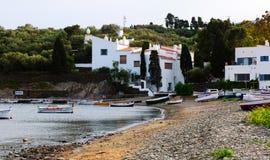 Huis van Salvador Dali bij mediterrane kust Cadaques Stock Foto's