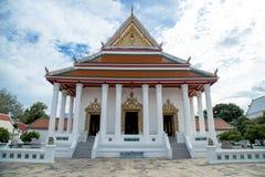 Huis van verering voor Boeddhisme te bidden stock foto's