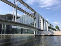 Huis van vertegenwoordigers van Duitse Bundestag in Berlijn Stock Foto's
