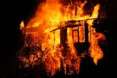 Huis in vlammen Stock Afbeeldingen