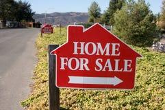 Huis voor het Teken van de Verkoop Stock Fotografie