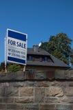 Huis voor verkoopteken royalty-vrije stock foto's
