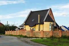Huis in voorstad Royalty-vrije Stock Foto's