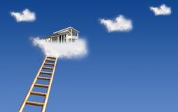 Huis in wolken Stock Foto