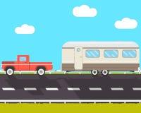 Huisaanhangwagen op weg Stock Afbeelding