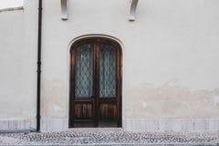 Huisdeur op de straat wordt gesloten die royalty-vrije stock foto