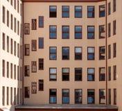 Huismuur met vensters Royalty-vrije Stock Foto