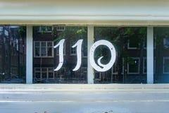 Huisnummer 110 stock afbeelding