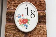 Huisnummerplaat - Nr 18 Royalty-vrije Stock Foto's