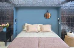 Huisslaapkamer in uitstekende stijl stock foto's