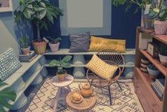 Huisterras met binnenlandse voorwerpen Royalty-vrije Stock Fotografie
