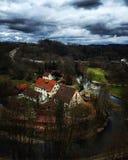 Huisvest dichtbij de rivier Royalty-vrije Stock Afbeelding