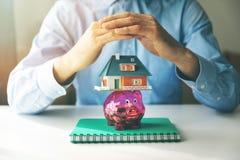 Huisvestingsbesparingen, hypotheek en verzekeringsconcept stock foto