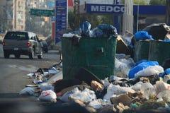 Huisvuil die Libanon binnenvallen Stock Foto's