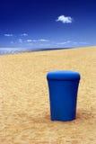 huisvuil op het strand Stock Foto