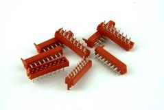 Huit connecteurs rouges de carte PCB Image stock