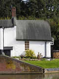Huizen door kanaal Stock Foto
