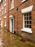 Huizen in een oude smalle steeg Royalty-vrije Stock Foto's