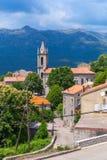 Huizen en klokketoren Zonza, Zuid-Corsica Royalty-vrije Stock Foto's