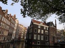 Huizen en markten van de stad van Amsterdam, in Holland, Nederland royalty-vrije stock foto