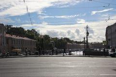 Huizen en straten in Heilige Petersburg stock fotografie