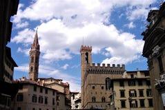Huizen en torens in de oude stad van Florence stock afbeeldingen
