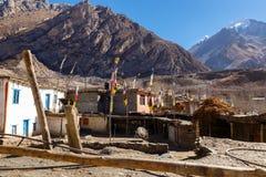 Huizen in het dorp van Jhong, Lager Mustang royalty-vrije stock fotografie