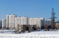 Huizen in het 20ste woondistrict Zelenograd Stock Foto's