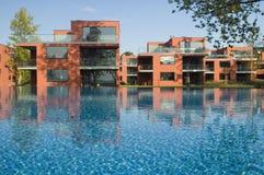 Huizen met Pool Stock Afbeelding