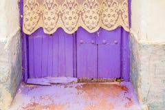 Huizen met typische kleuren van de huizen van Andalusia één dag van de zomer royalty-vrije stock afbeeldingen