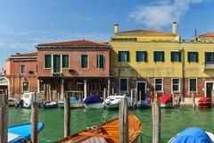Huizen in Murano-Eiland, Italië Stock Afbeeldingen