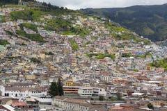 Huizen op de Heuvel in Quito Ecuador Royalty-vrije Stock Afbeelding