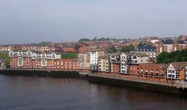 Huizen op de kaden van Newcastle. royalty-vrije stock fotografie