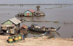 Huizen op de Mekong rivier Stock Afbeeldingen