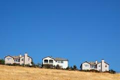 Huizen op een heuvel Royalty-vrije Stock Afbeelding