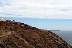 Huizen op een heuvel die Valparaiso overzien Stock Afbeelding