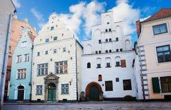 Huizen in oude stad, Riga Stock Afbeeldingen