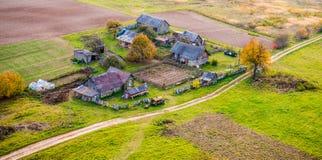 Huizen in platteland stock fotografie