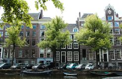 Huizen van Amsterdam, Nederland Stock Afbeeldingen