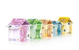 Huizen van Euro rekeningen Royalty-vrije Stock Foto's