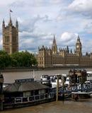 Huizen van het Parlement & Rivier Theems Stock Foto
