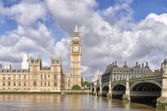 Huizen van het parlement en de Big Ben Stock Foto's