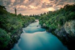 Huka下跌,陶波,新西兰-美好的风景,日落 免版税库存图片
