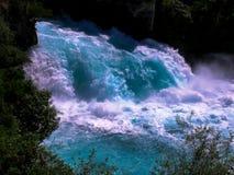Huka易爆的水落,新西兰 库存图片