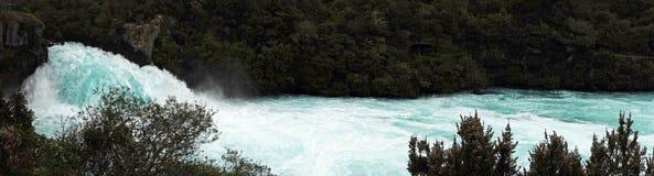 Huka poderoso cai panorama perto do lago Taupo, Ner Zealand fotos de stock