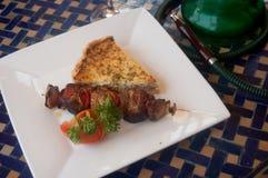 Huka und arabische Mahlzeit Lizenzfreie Stockfotos