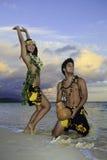 hula танцы пар Стоковые Фотографии RF