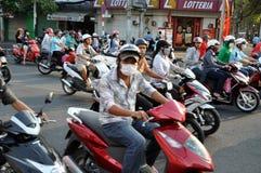 Hulajnoga ruch drogowy w Wietnam Obrazy Stock
