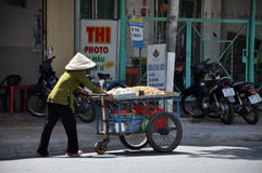 Hulajnoga ruch drogowy w Wietnam Fotografia Stock